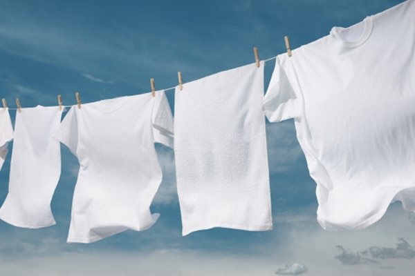 Ropa blanca y limpia - White and clean clothes - Roba blanca i neta